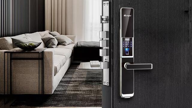 防盗门锁走向智能化时代,选购宜到正规、专业的店方能保证质量