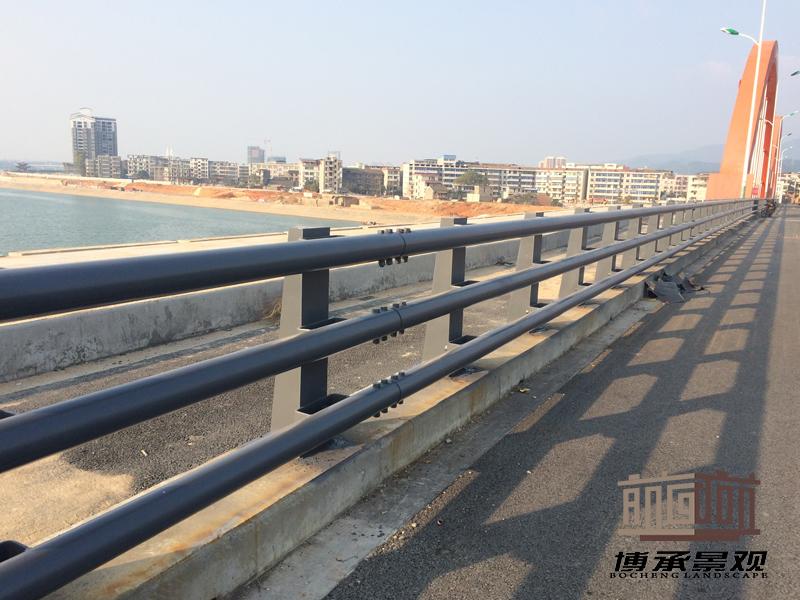 江西恩江二桥--防撞护栏