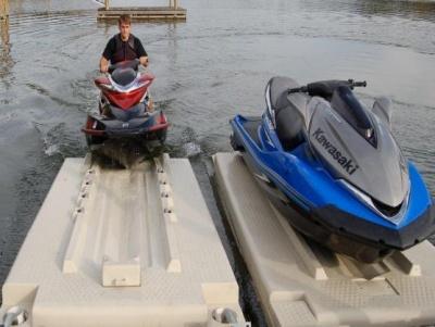 Drive-on pontoons or Lift docks