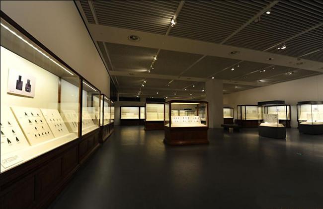 博物馆展柜定制厂家,深圳倍力展示介绍文物展柜的特色