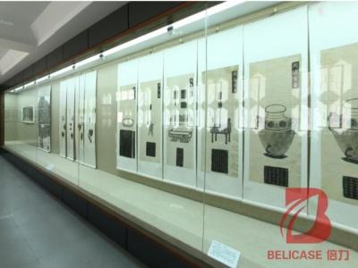 博物馆沿墙展柜M046