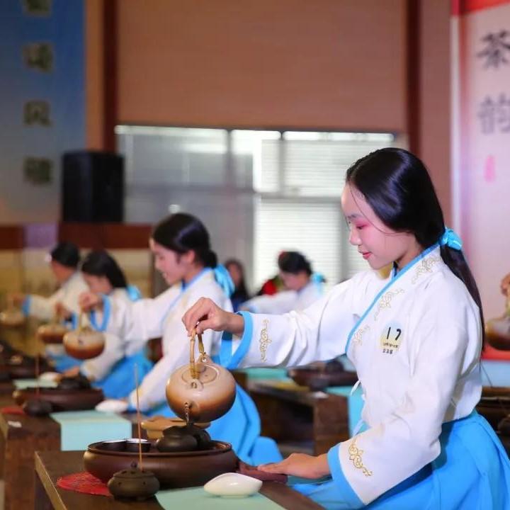 第三届武夷小茶人总决赛举行