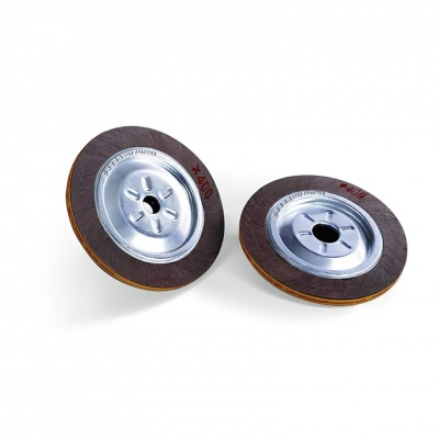 Stainless steel polishing material