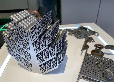 金属3D打印复杂的工件,从而实现加工中心无法实现设计加工的难题