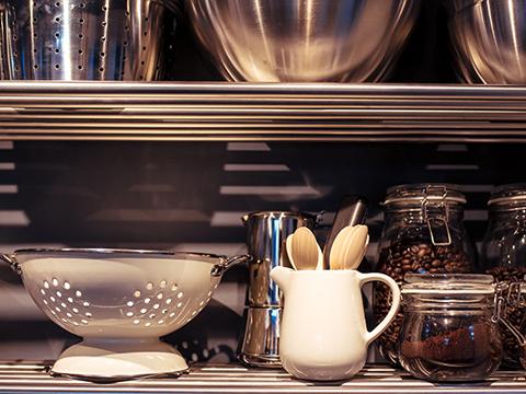 运用厨房用具摆件如何摆设更方便