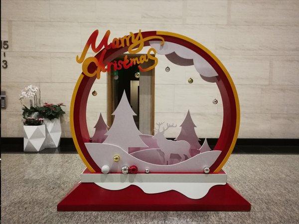成都平安财富中心圣诞美陈设计包装制作