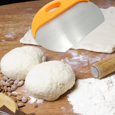 New Product Stainless Steel baking Cutting Knife Dough Cutter Powder Table Scraper