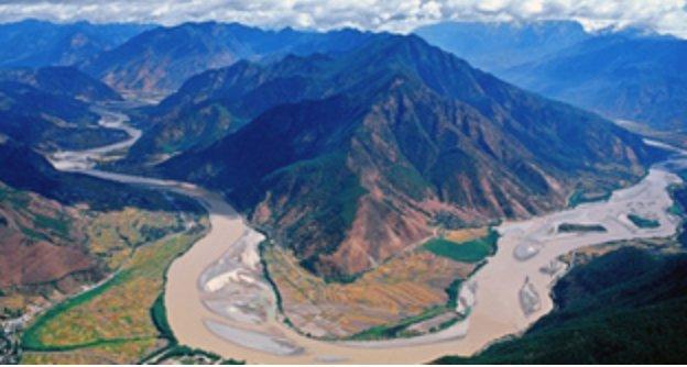 """《赵岩专栏》""""水危机""""终结中国繁荣?"""